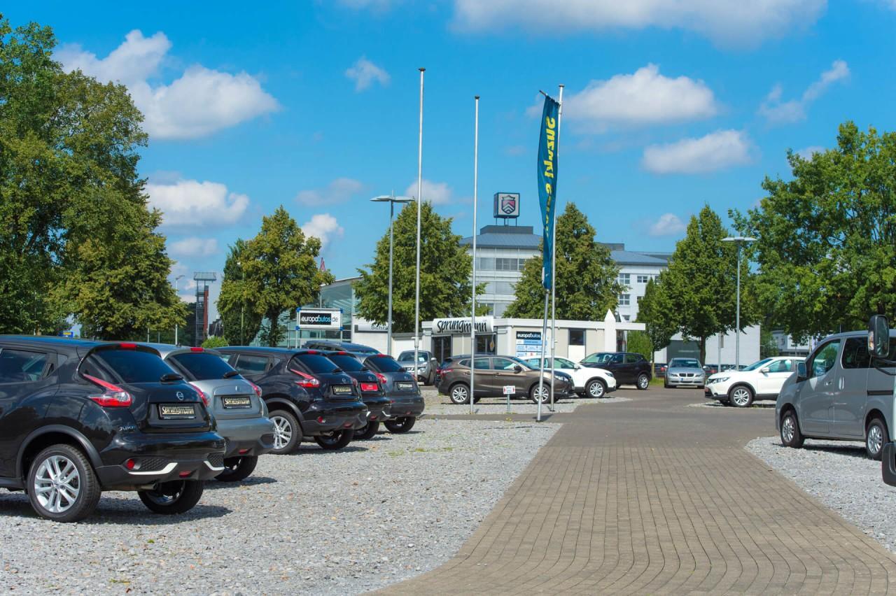 willkommen auf unserer webseite nissan suzuki autohaus sprungmann in bielefeld. Black Bedroom Furniture Sets. Home Design Ideas